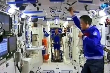 """绘中广欧特斯""""云上舒适家"""",做中国少年做航天事业的接班人!"""